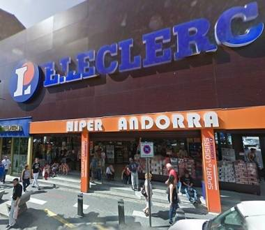 Shopping centres and department stores in Andorra