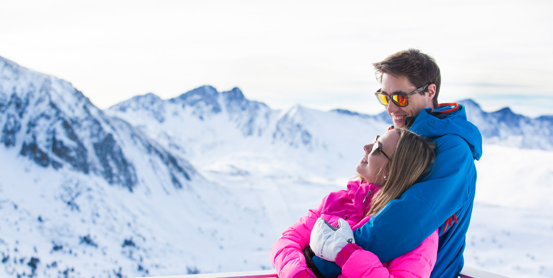 FALL IN LOVE IN THE WHITE SNOW OF ANDORRA